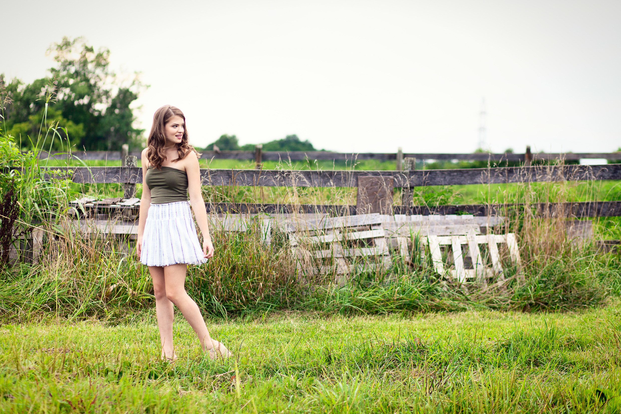 Louisville-Senior-Photo-Blackacre-Farm.jpg